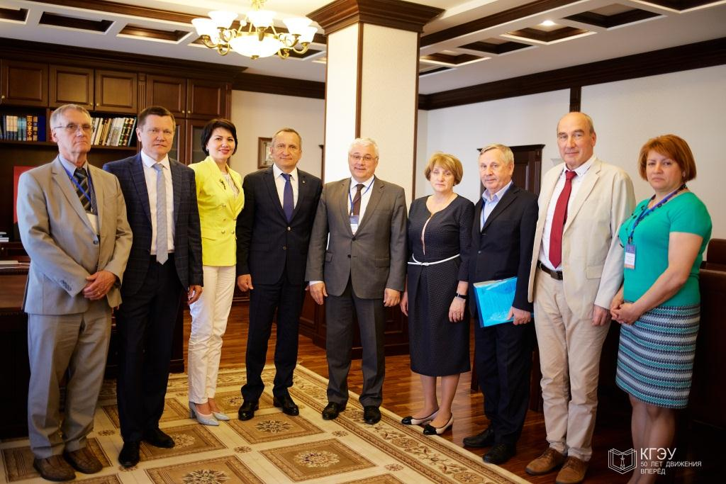 17 мая 2018 г. на базе Казанского государственного энергетического университета состоялось выездное заседание федерального УМО в системе высшего образования по УГСН 13.00.00 Электро- и теплоэнергетика